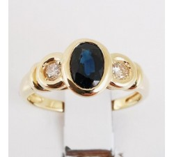 Bague Saphir Diamants Or jaune 18 carats. Bague de fiançailles